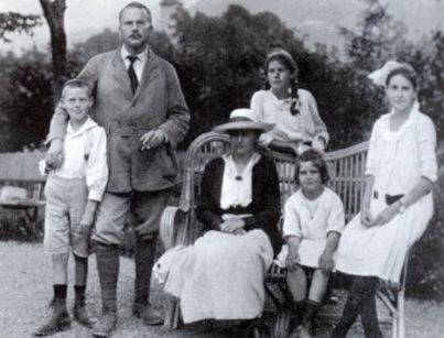 carl-jung-and-family3